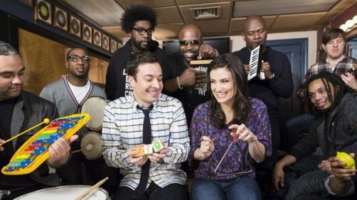 "Idina Menzel Sings ""Let It Go"" with Jimmy Fallon & The Roots"